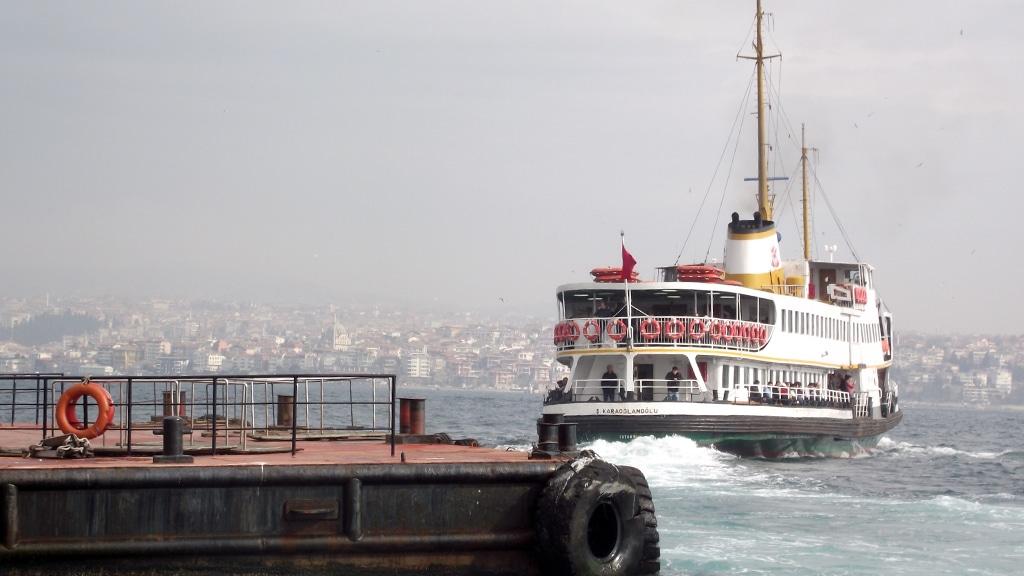 Vapurla Karaköy'den Kadıköy'e...