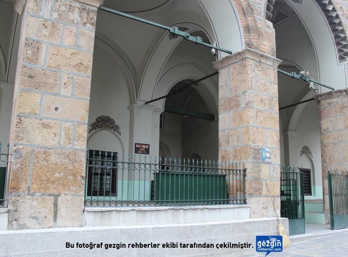 Orhan Bey Camii Merkez Bursa Gezgin Rehberler