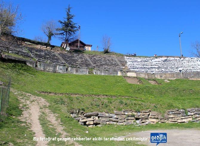 Hypium Antik Kenti Tiyatrosu (Konuralp - Düzce)