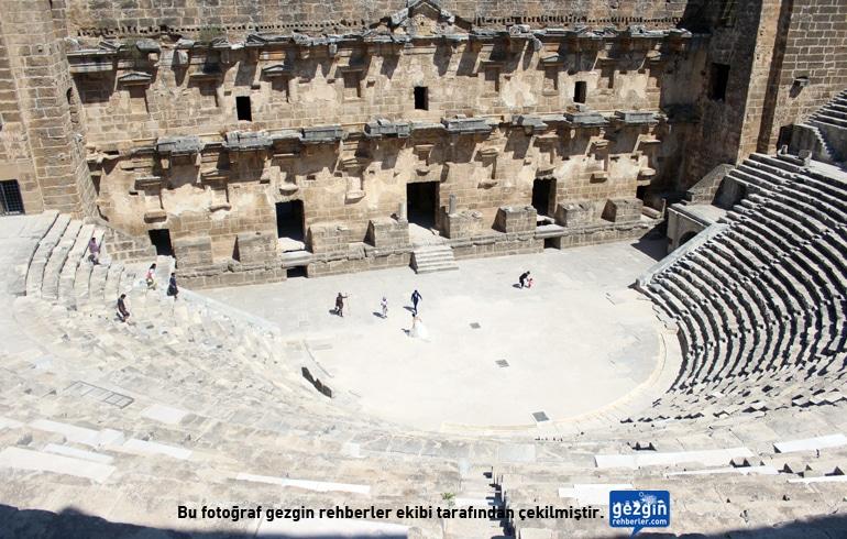 Aspendos Antik Kenti Tarihi : Aspendos tiyatrosunun bir Şehri olmalıu sanat karavanı